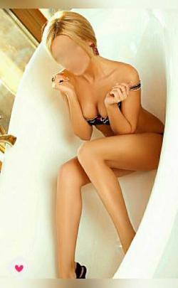 Индивидуалка    Массажистка Ви, Тольятти Автозаводский тел. 8 (960) 833-3938 работает по вызову,  имеет свои аппартаменты,  за 2500р час. - Фото 2